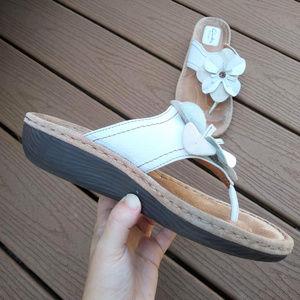 Clarks Artisan White Floral Leather Thong Sandal